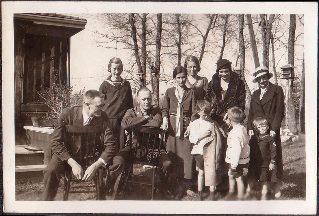 Unknown, Marina von Behr, Paul von Behr, Meta von Medem, Dagmar von Medem (behind), the rest unknown