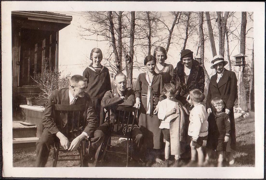 Unknown, Marina von Behr, Paul von Behr, Meta von Medem, Dagmar von Medem (behind), the rest unknown