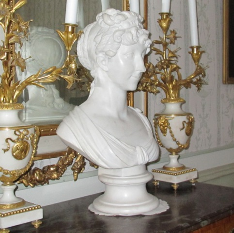 Marble bust of Anna Dorothea by Antonio Vanova | photo source: Fredrik Rosenlew